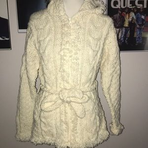 White wool comfy sweater